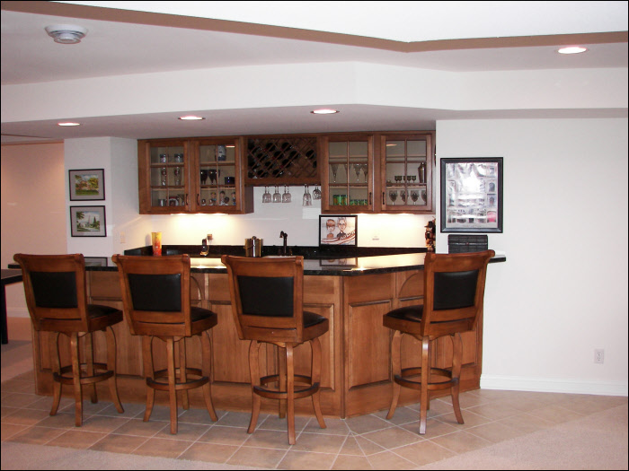Hartland basement wet bar remodel