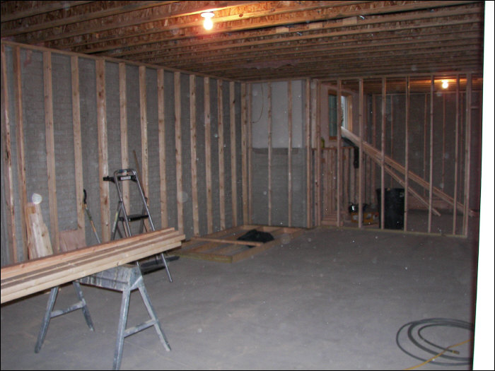 Before picture of Milwaukee basement livign room